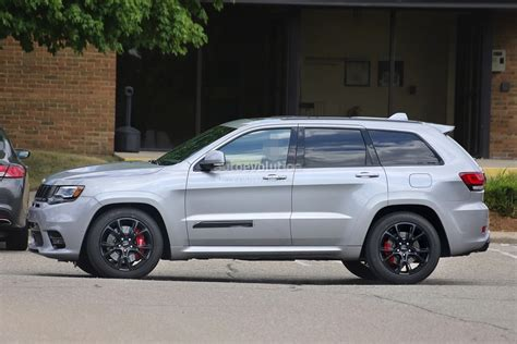 jeep grand cherokee 2018 2018 jeep grand cherokee trackhawk might have torque