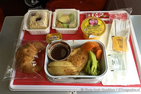 airasia food airasia x quite zone and business class premium bed review