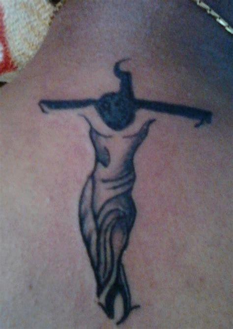 simple tattoo design for man simple crucifix tattoo designs for men crucifix tattoos