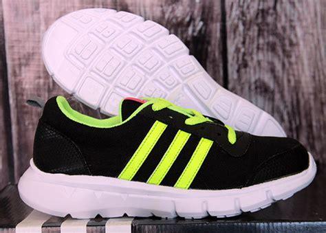 Grosir Sepatu Sepatu Kets Mickey Mouse Dgsw Vf adidas climacool junior hitam hijau nrd sport