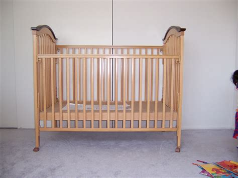 Used Baby Cribs Gently Used Baby Crib In Light Pine Color