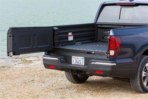 honda truck tailgate honda ridgeline reviews and rating motor trend