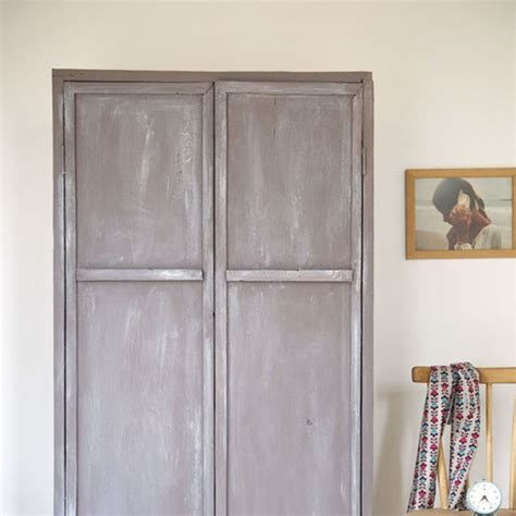 Patiner Une Armoire by Relooking Meuble Repeindre Et Patiner Une Vieille