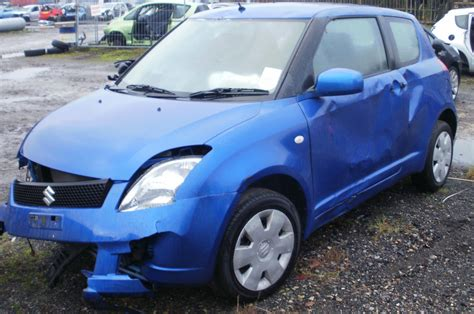Suzuki 1 3 Gl 2005 Suzuki 1 3 Gl Breaking Now Parts For Sale