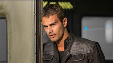 four divergent actor theo james www imgkid com the