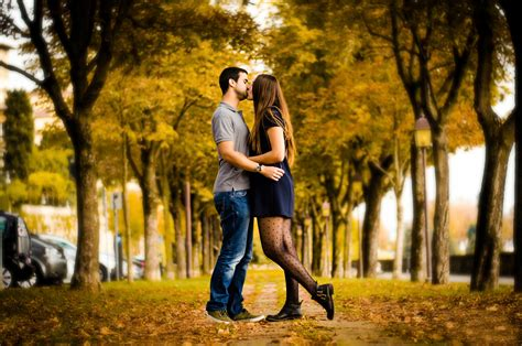 wallpaper couple full hd beautiful couple lips kiss in park full hd wallpapers
