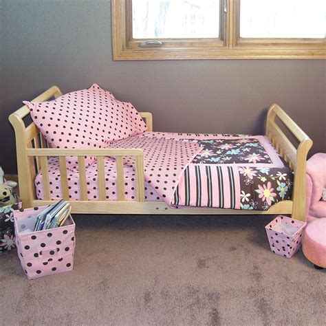 Toddler Bed Linen Sets Toddler Bedding Sets With Popular Designs Homefurniture Org