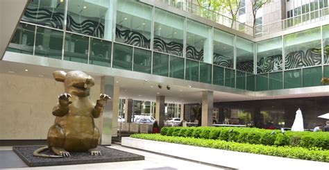 lever house axonic capital takes a full floor at 390 park avenue