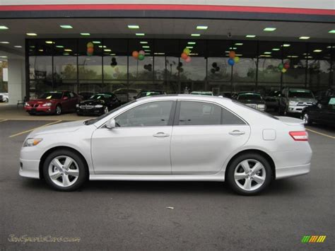 2011 Toyota Camry Sale 2011 Toyota Camry Se In Classic Silver Metallic Photo 2