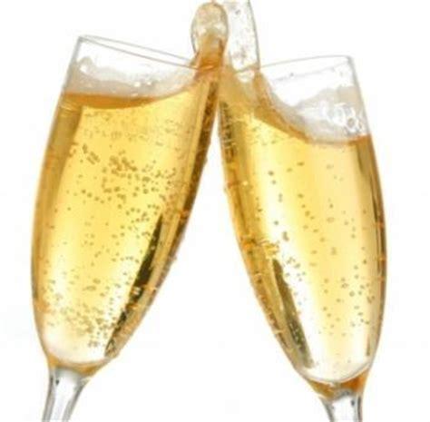 foto bicchieri brindisi a m the winers club dall uva al vino lo spumante