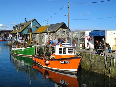 boat harbor pictures mevagissey harbour cornwall