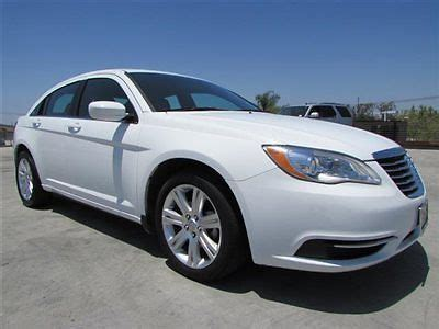 2013 Chrysler 200 Lx Sedan by Sell Used 2013 Chrysler 200 Lx Sedan White Priced For
