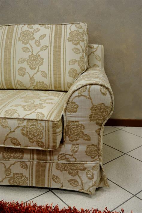 divani classici in tessuto prezzi coppia di divani classici in tessuto divani a prezzi