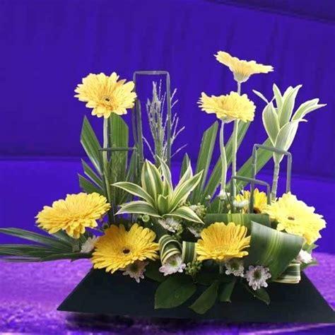 live centerpieces live flower arrangements eatatjacknjills