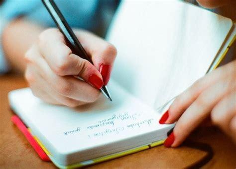 manfaat manfaat besar menulis buku harian dengan tulisan tangan lho youthmanual
