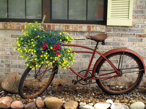 Garden Bike Planter by 33 Bicycle Flower Planters For The Garden Or Yard