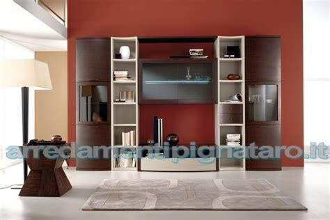 elenco outlet arredamento pareti attrezzate scavolini poti arredamenti presenta