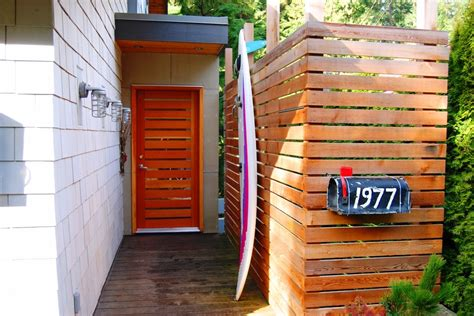 Peninsula Kitchen Ideas horizontal slat fence entry eclectic with bc door beach