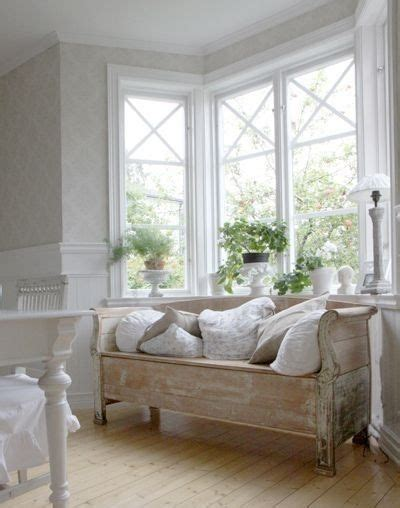 window daybed benches bay windows and wooden daybed on pinterest