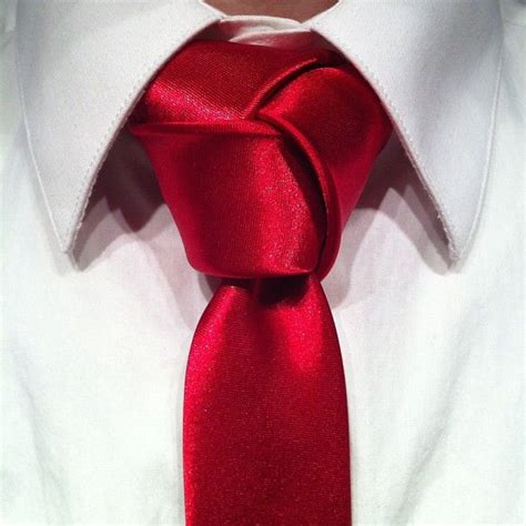 Redknot Manacle 1000 ideas about different tie knots on tie knots tie a tie and tie a necktie