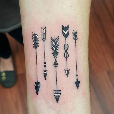 cute arrow tattoos arrow design hey ich h 228 tte gerne den 2 4 5