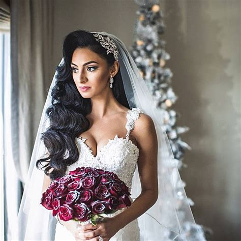 Bridal Hairstyles With Veils Pictures by 25 Best Ideas About Veil Hair On Veil