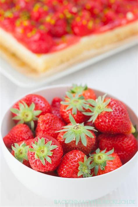 erdbeer rhabarber kuchen mit pudding torte erdbeer pudding rezepte zum kochen kuchen und