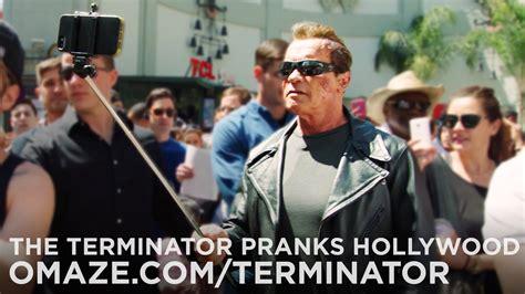 Kaos Terminator Arnold arnold schwarzenegger se odjenuo u terminatora i izazvao