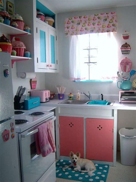cupcake home decor kitchen best 25 cupcake kitchen theme ideas on pinterest