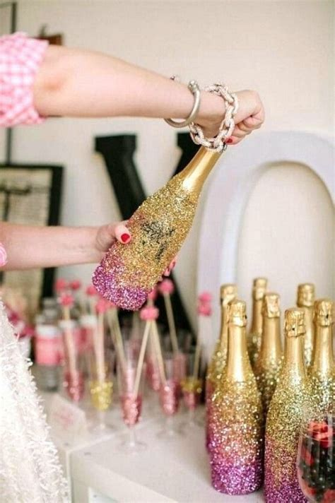 How To Decorate A Bottle With Glitter by Best 10 Glitter Chagne Bottles Ideas On