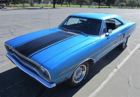 seller  classic cars  plymouth road runner blue