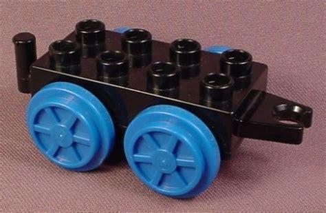 Wheels X Trayn Green lego duplo 53052 black 2x4 car with blue wheels