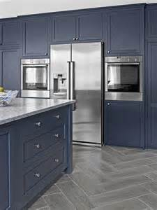 kitchen cabinets finishes 25 best ideas about navy kitchen cabinets on pinterest navy cabinets colored kitchen