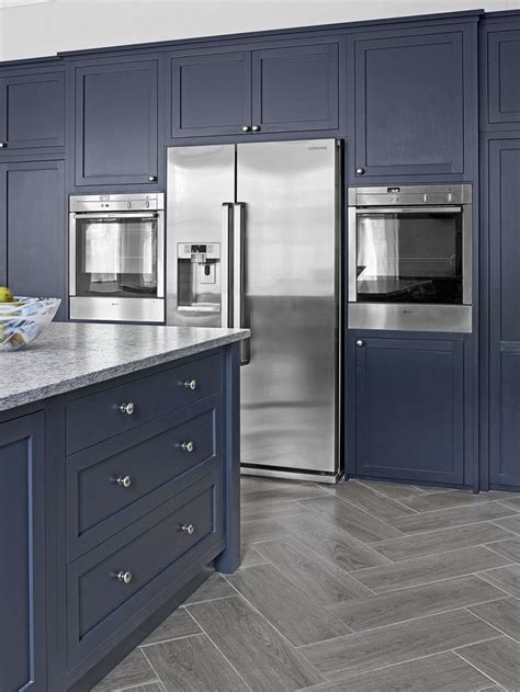navy blue kitchen cabinets 25 best ideas about navy kitchen cabinets on
