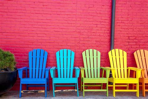 Peindre Une Chaise En Bois peindre une chaise en bois