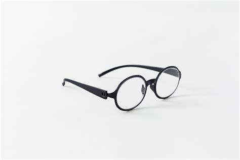 reading computer glasses by nendo snap temple to nosepiece
