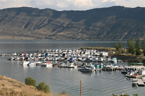 fishing boat rentals flaming gorge marina services on flaming gorge reservoir