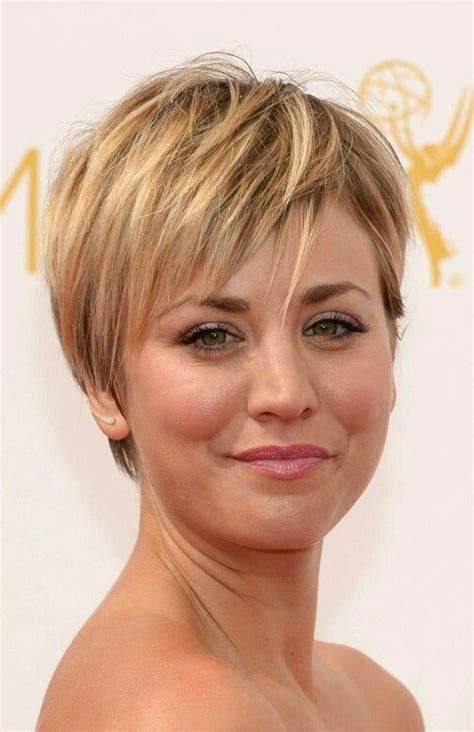 kaley cuoco still criticised for her hair cut fans hate pixie cut penny 17 best ideas about kaley couco on