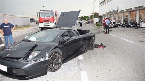 Lamborghini Vs Motorcycle Lamborghini Vs Bmw It S Not What You Think Asphalt