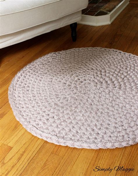 How To Hand Crochet A Large Circular Rug Simplymaggie Com Crochet Rug