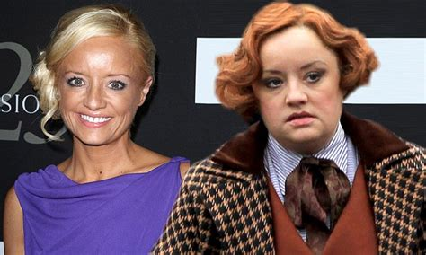 lucy davis now lucy davis sports unruly 1920s ginger pin curls on the