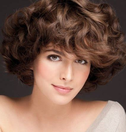 curly hairstyles double chin 54 best images about chin length bob hairstyles on pinterest