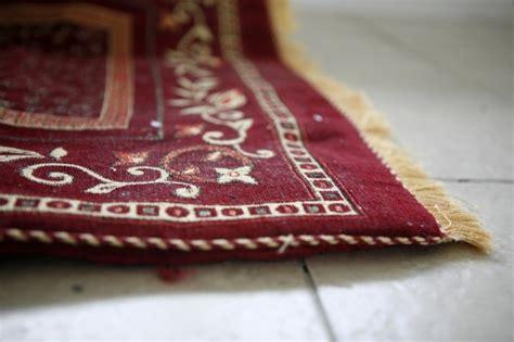 come pulire un tappeto come pulire i tappeti tutti i rimedi e consigli per non