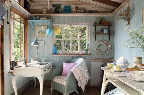 beach cottage home decor small island cottage with a traditional interior digsdigs