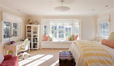Bedroom Design Ideas With Bay Windows How To Solve The Curtain Problem When You Bay Windows