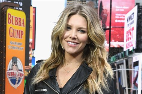 charissa thompson named host of fox nfl kickoff college spun charissa thompson bio wiki dating boyfriend married