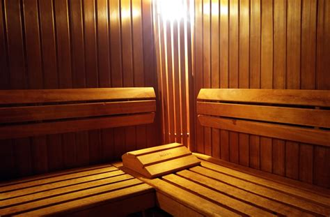 Sauna Vs Steam Room Benefits by Sauna Vs Steam Room Benefits And Negative Effects