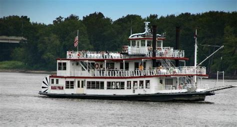 mississippi river boat cruises dubuque ia mississippi riverboat dinner cruises iowa