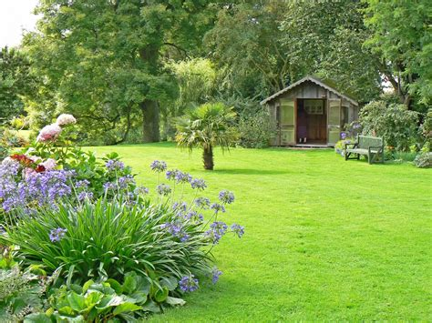Yard And Garden Ideas Garden Lawn Ideas Lawn And Hedge Care