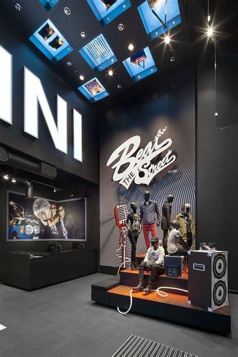 unusual pop  shops retail design pop  shops pop